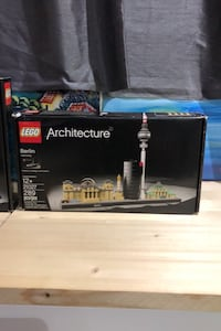 Two New LEGO Architecture sets Toronto, M6C 1H7