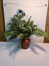 Pier One Vase and Artificial Lifelike Large Silk B Waldorf, 20602