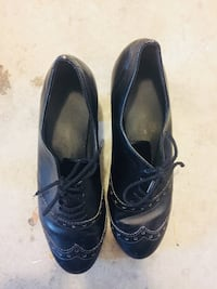 Pair of black leather oxford style heels Surrey, V4N 0V1