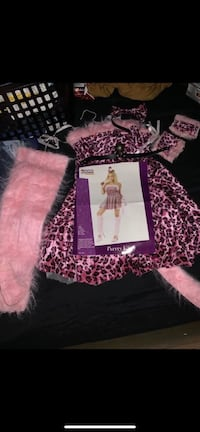 Kitty custome size S $10 excellent good condition