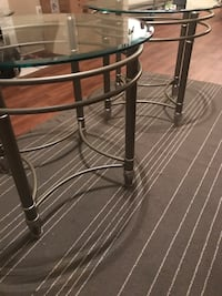 2 glass end tables Mesa, 85202