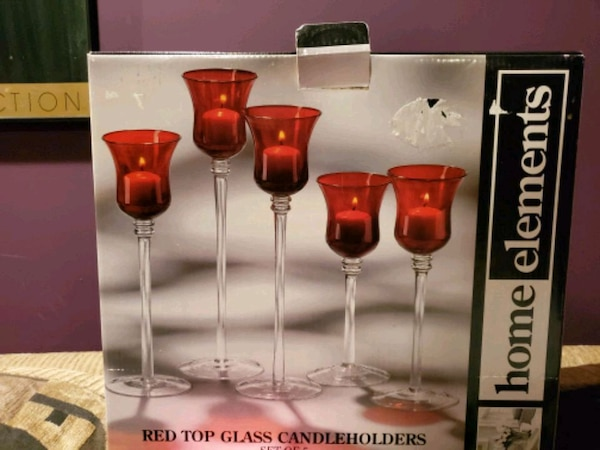 Set of red candle holders, brand New 16373bdc-61f4-41fe-8d1a-138bfc909d30