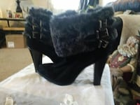 Ladies ankle boots w fur