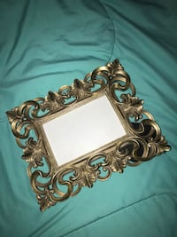 HOBBY LOBBY hard gold picture frame  Moore, 73160