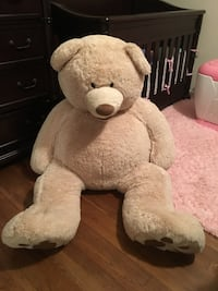 Giant teddy bear in great condition. Used for nursery decor. Wall Township, 07719