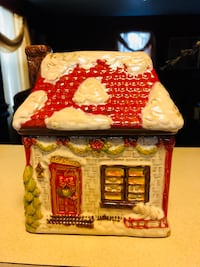 Christmas Cottage Cookie Jar  26 km