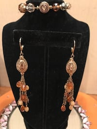 Pretty Gold Dangle beaded earrings Gainesville, 20155