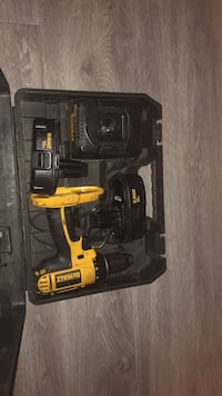 Dewalt cordless hand drill with case and extra battery Palm Desert, 92260