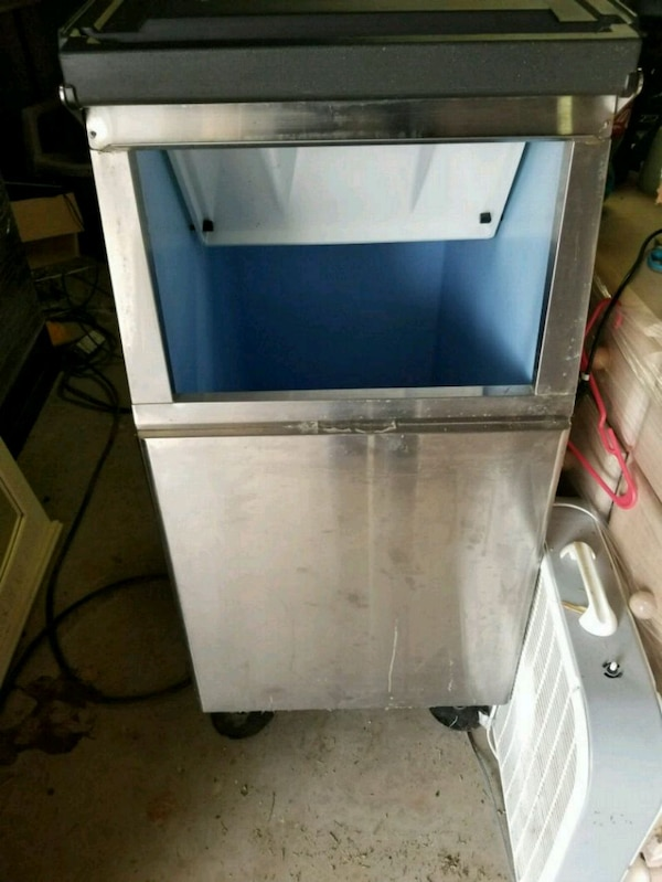 Used Ice Machine >> Used Commercial Ice Machine Bin For Sale In Mcdonough Letgo