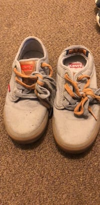 Boys Levi's shoes gently worn, size 2 Taunton, 02780