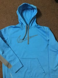 Nike Sweater Winnipeg, R3C 1Z8