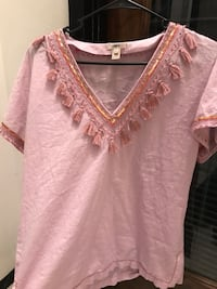 women's pink v-neck shirt Alexandria, 22304