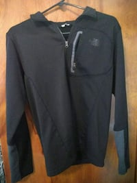 Black North face pull over 770 mi