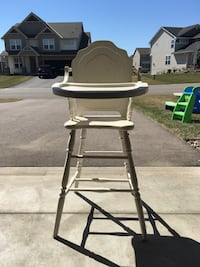 High chair  Lakeville, 55044