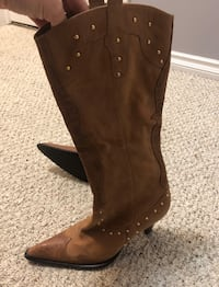 Brown leather pointed-toe cowboy boots Edmonton, T6V 1W5