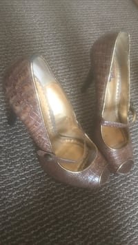 Pair of brown leather peep-toe heeled shoes Stanley, 28164
