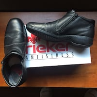 pair of black leather shoes with box Los Alamos, 87544