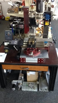 Milling machine powered axes