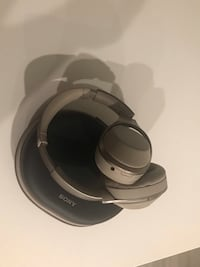 Sony 1000x( first generation) like new condition 欧文, 92612