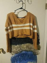 brown and white scoop-neck sweater