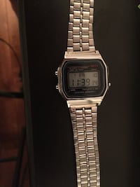 square silver Casio digital watch with link bracelet Montréal, H4L 1X9