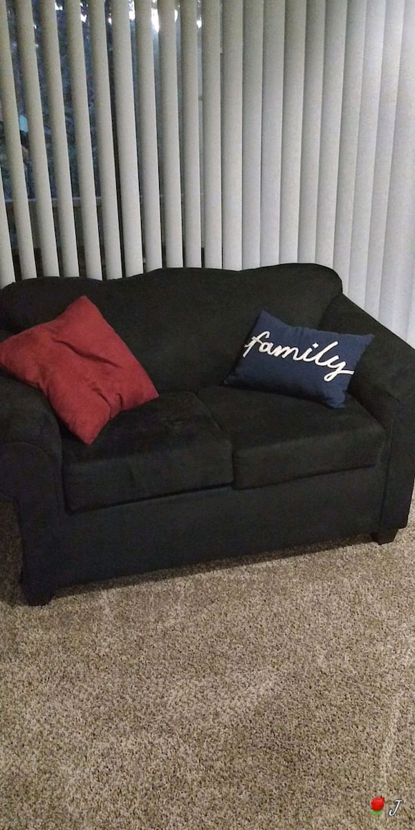 Marvelous Couch And Loveseat For Sale Great Condition Spiritservingveterans Wood Chair Design Ideas Spiritservingveteransorg