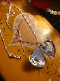 Sterling Silver Heart pendant necklace / New Jewelry * Heart opens for pictures keep Alexandria, 22311