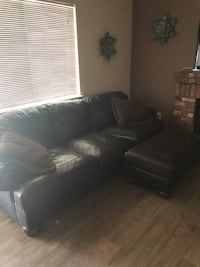 Leather couch with matching large foot stool Rialto, 92377