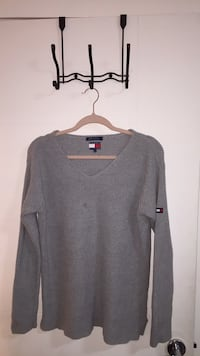 Tommy Hilfiger knit sweater size S/M White Rock, V4B