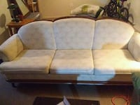 sofa Barrie, L4M 3S4