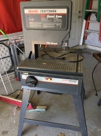 gray and black Craftsman table saw