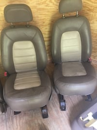 03-05 Ford Explorer tan leather seats Middletown, 21769