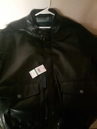 Perry Ellis jacket new with tags size large but fits more like a mediu