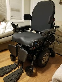 Electronic Wheel chair with lift capabilities
