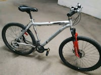 white and black hard tail mountain bike Pointe-Claire, H9R 3H8