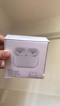 AirPods pro never used got it as gift but don't necessary need it