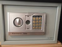 Electronic safe AS-IS Richmond Hill, L4E 4Y8