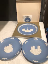3  Wedgewood Christmas plates. 1971 Picadilly Circus 1989 Winchester Cathedral 1990 Durham Cathedral Framingham, 01701