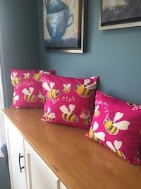 Pillow set. Satin. Fuchsia pink  Kitchener, N2N 2T6