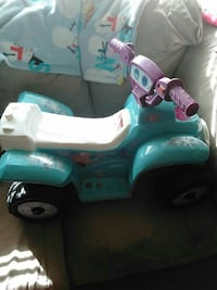 Girl's Frozen Power wheel