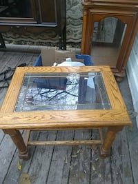 Oak and glass table Syracuse, 13207