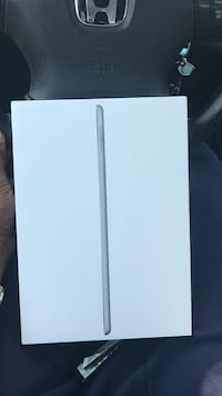 I pad 6 th generation 32 gig brand new !!  Decatur, 30035