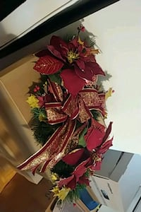 Christmas Center piece 2 available  Mississauga, L5A 1B4