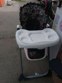 baby's white and black high chair El Paso, 79927