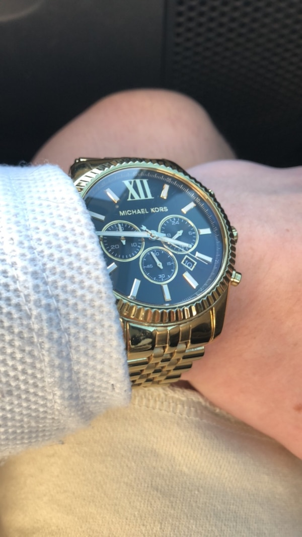 ac599eef9f970 Watches   Round gold-colored chronograp Michael Kors watch - Glow in Dark  watch hands