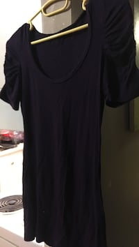 Plum colour low neck tee w/ pleated sleeves Calgary, T3C 0T1