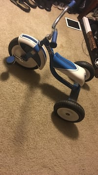 Blue and white trike Anderson, 46013