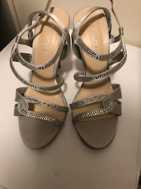 Heel shoes  Whitchurch-Stouffville, L4A 0Y8