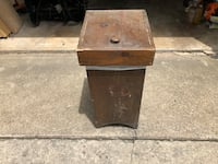 Homemade wooden trash can (fits standard bag) Claymont, 19703