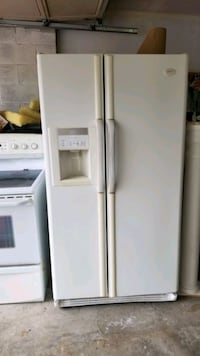 2 piece set fridge, stove,